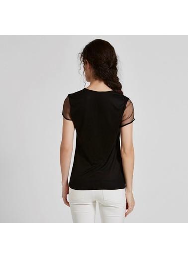 Vekem-Limited Edition V Yaka Şifon Kol Detaylı Asimetik Şeritli Bluz Siyah